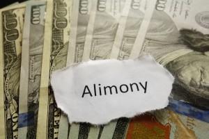 discussing-alimony-900x599